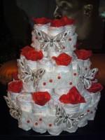 Торт из памперсов с розами