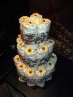 Торт из памперсов с плюмерией